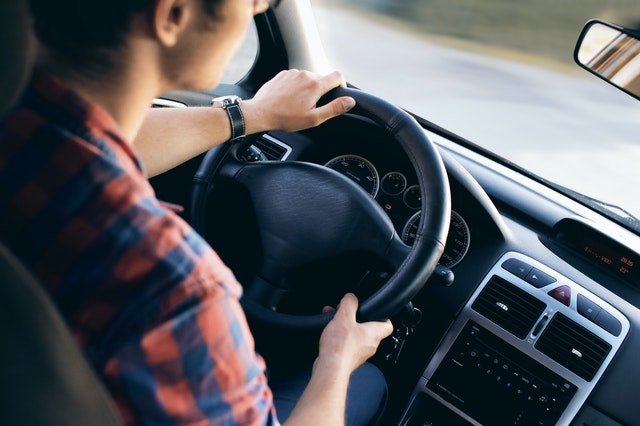 רישיון, בית ספר לנהיגה